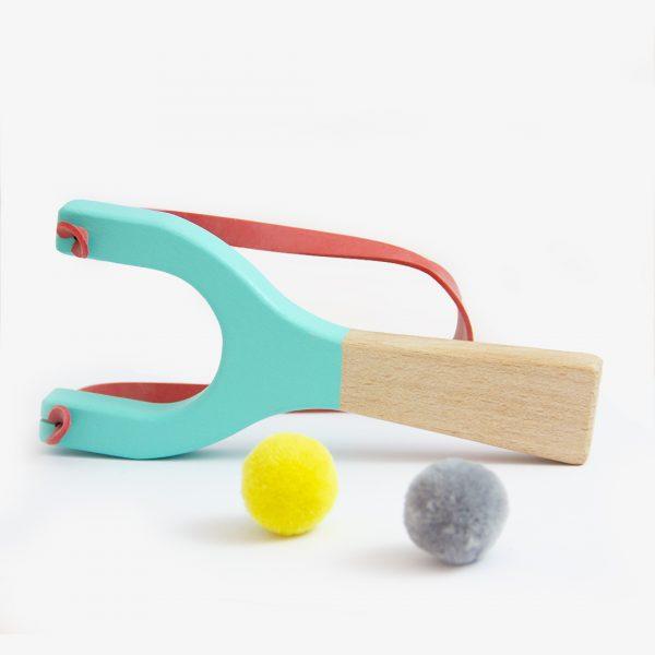 tirachinas, me & MINE, juguetes tradicionales, juguetes de madera, juguetes sin género, mon pettit ó