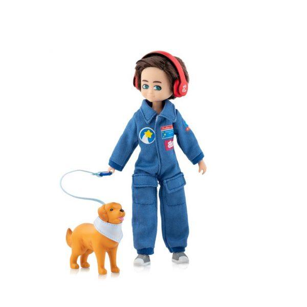 finn y su fiel compañero, muñeco lottie inspirado en Hayden niño con autismo, Mon Pettit ó, inclusión